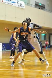 体を張ってインサイドを守った東京成徳大学#7大原 咲織選手